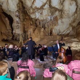 Отдых в Крыму. Евразийский фестиваль высокой классики: пещера, медресе, дворец, музей, античный полис